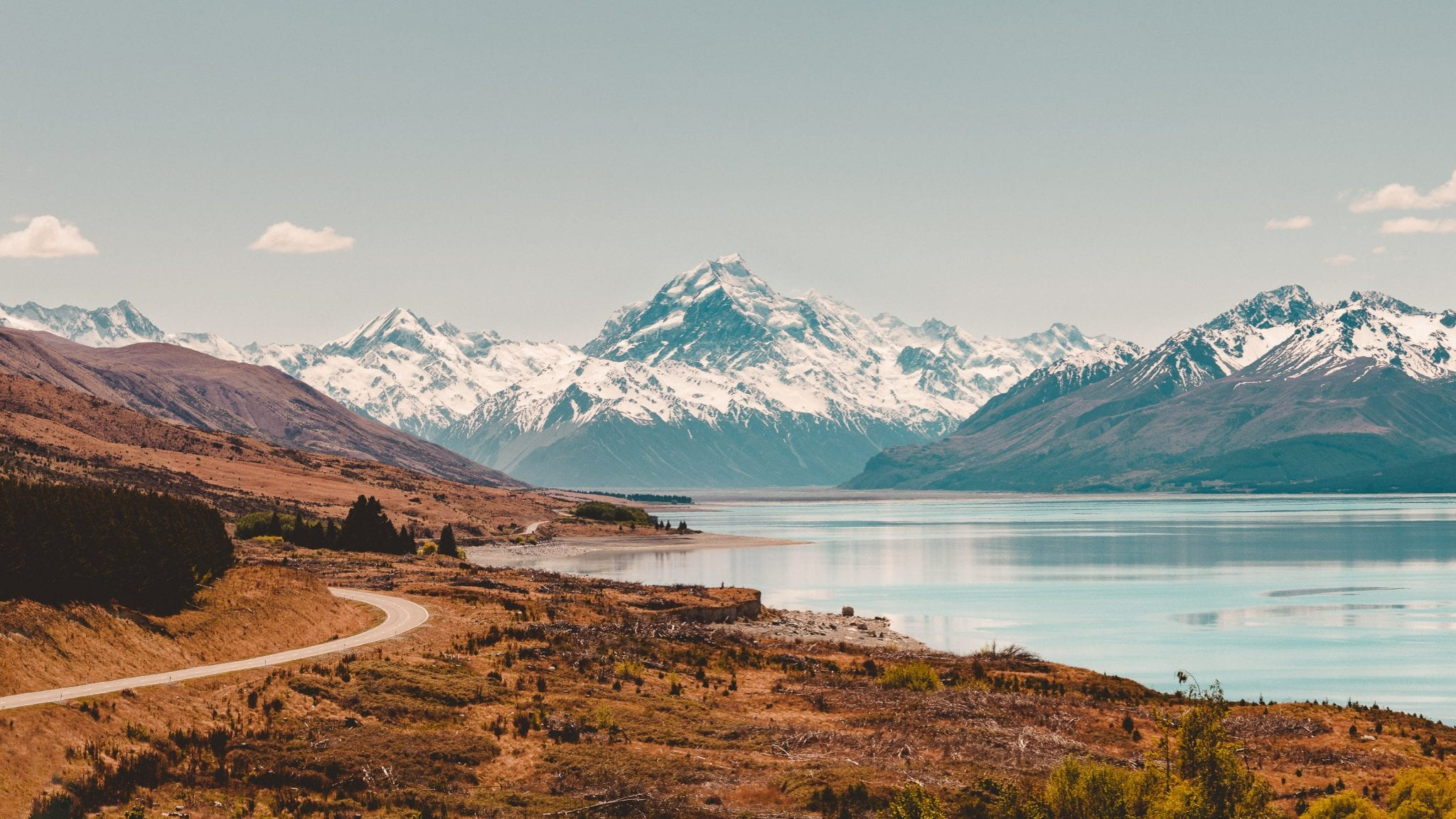 aoraki mount cook and hooker valley from Peters lookout along lake pukaki